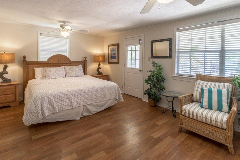 522 Defuniak,Santa Rosa Beach,Florida 32459,9 Bedrooms Bedrooms,8 BathroomsBathrooms,Detached single family,Defuniak,20131126143817002353000000