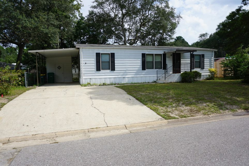 Photo of home for sale at 1406 Cape, Niceville FL