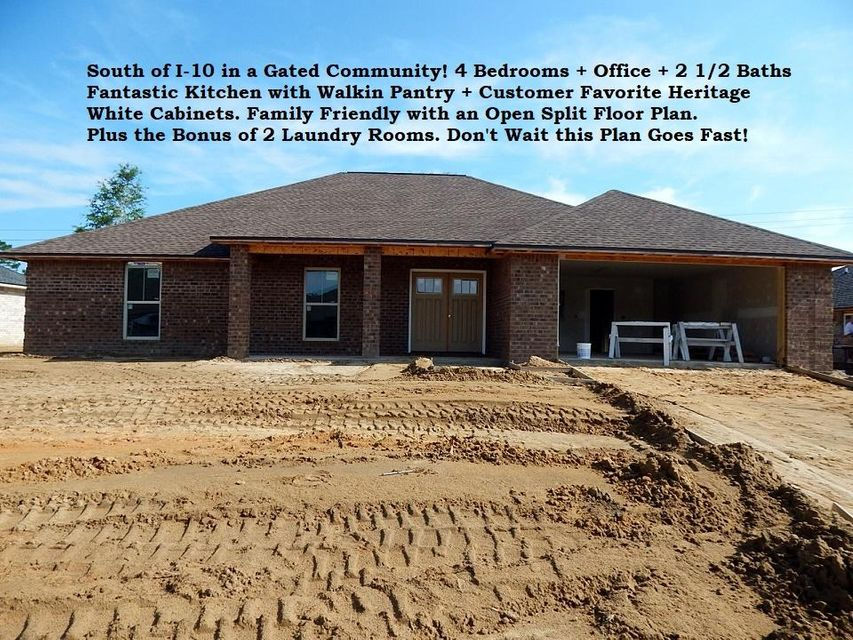 Photo of home for sale at 4744 Chanson, Crestview FL
