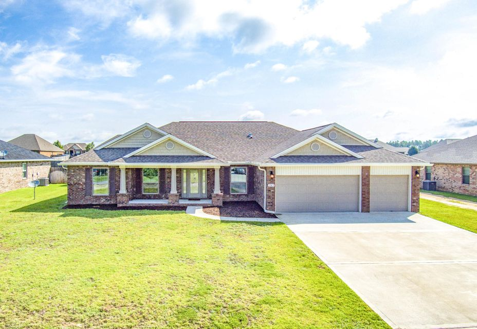 Photo of home for sale at 3363 Citrine, Crestview FL
