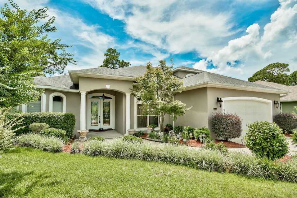 Photo of home for sale at 1041 Napa Way, Niceville FL