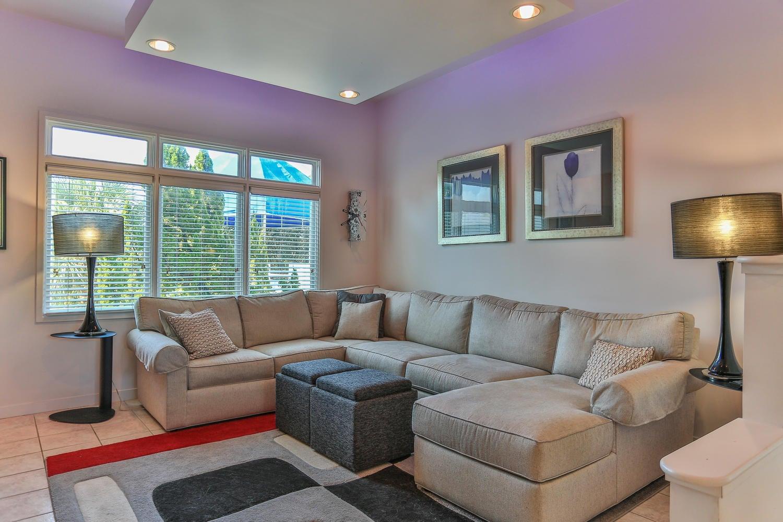 435 Beachfront,Santa Rosa Beach,Florida 32459,5 Bedrooms Bedrooms,4 BathroomsBathrooms,Detached single family,Beachfront,20131126143817002353000000