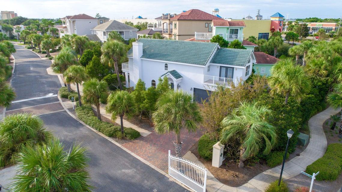 3899  Sand Dune Court, Destin, Florida