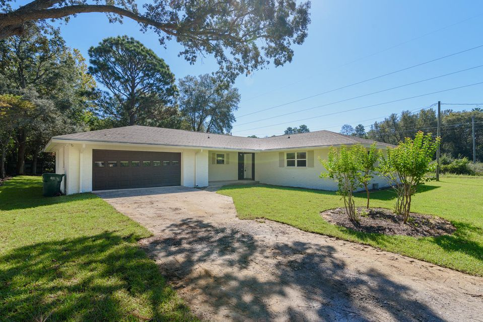 1401  Hickory Street, Niceville, Florida