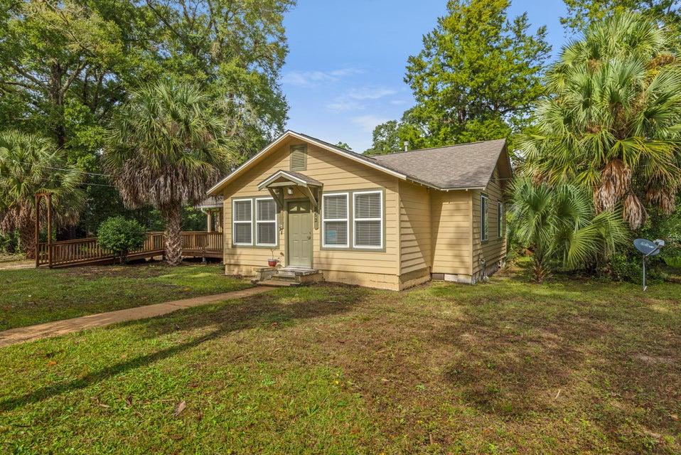 262  Magnolia Avenue, Valparaiso in Okaloosa County, FL 32580 Home for Sale
