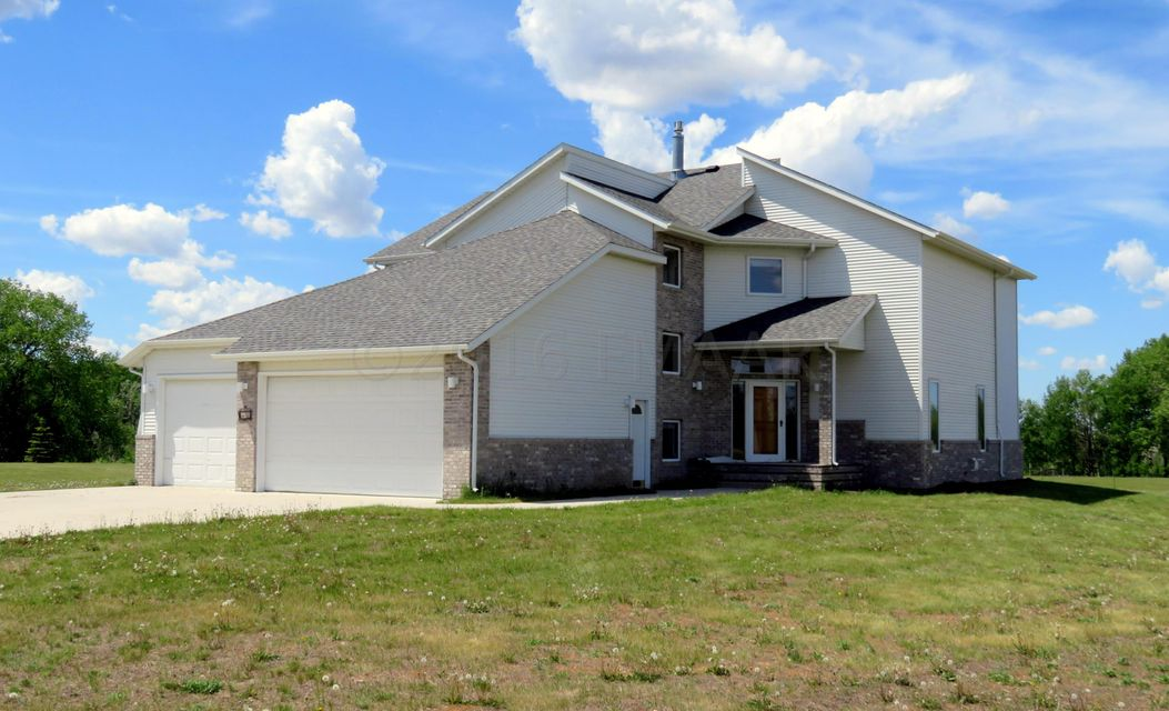 15911 Bison View Street, Kindred, ND 58051
