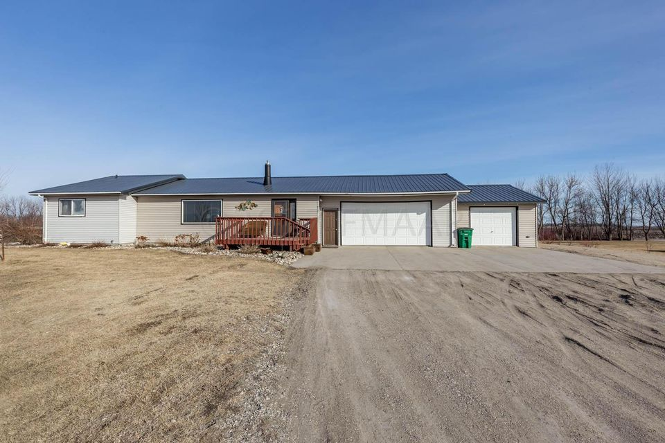6721 N 53 Avenue, Harwood, ND 58042