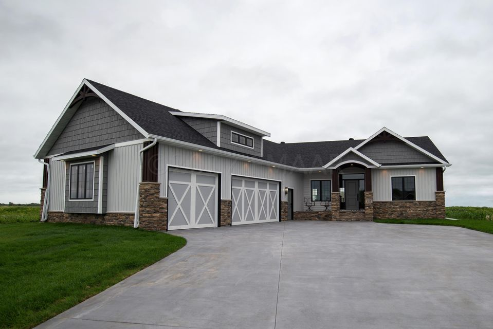432 SEQUOIA Drive, Mapleton, ND 58059