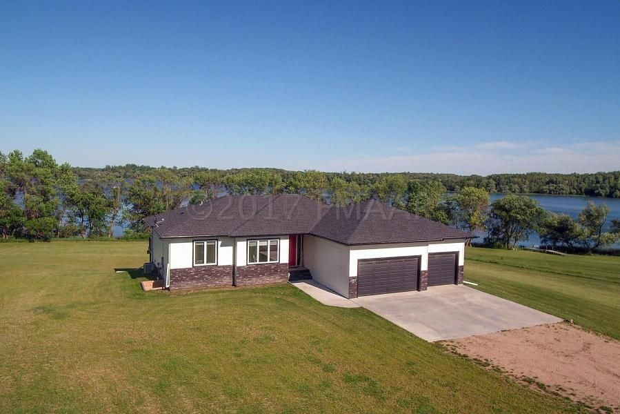 17075 SAYLERS BEACH Road, Lake Park, MN 56554