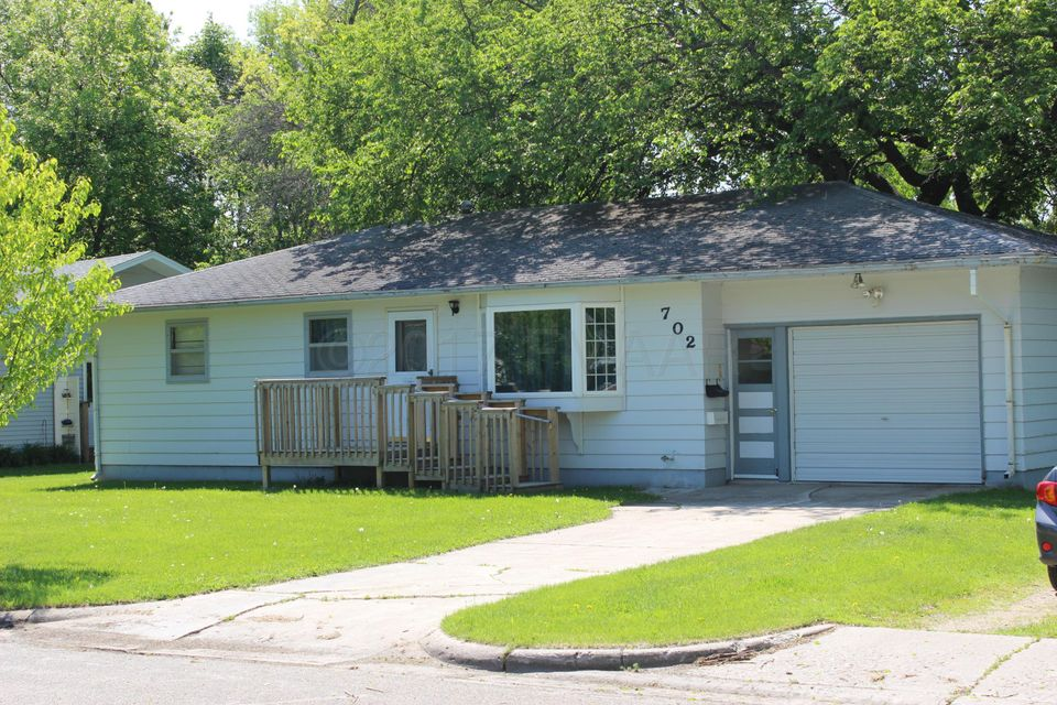 702 E 4TH Avenue, Ada, MN 56510