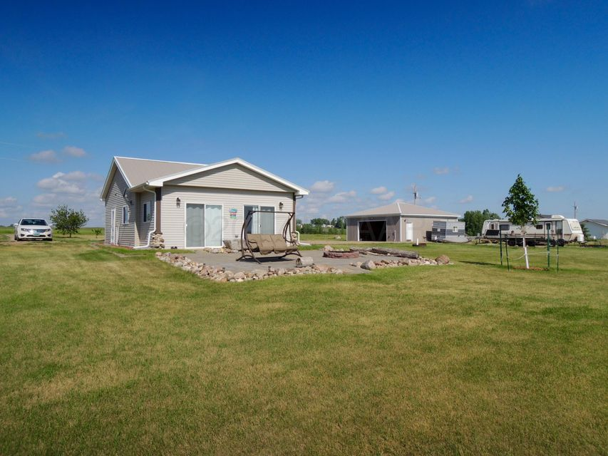 1438 SE 119TH Q Avenue, Valley City, ND 58072
