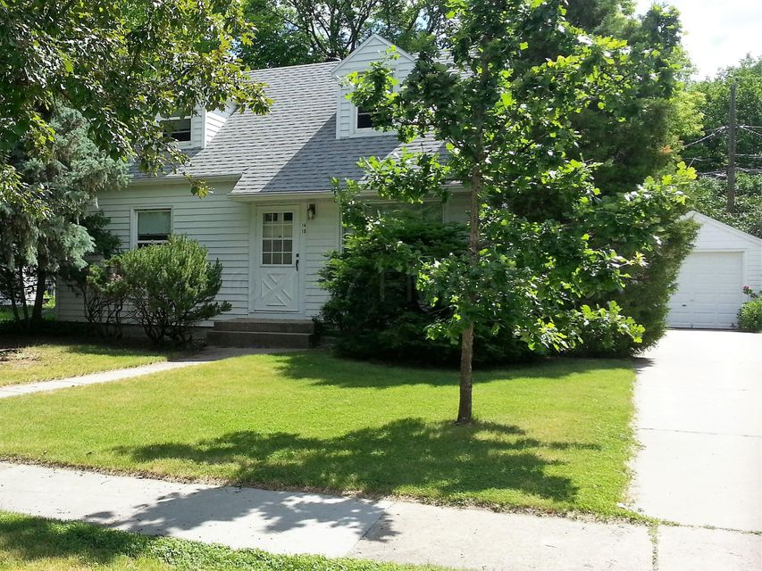 1410 S 4TH Street, Moorhead, MN 56560