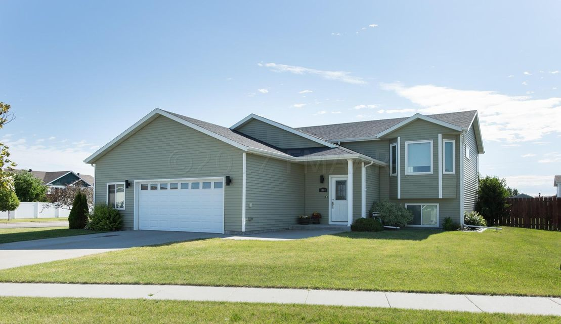 1903 BURLINGTON Lane, West Fargo, ND 58078