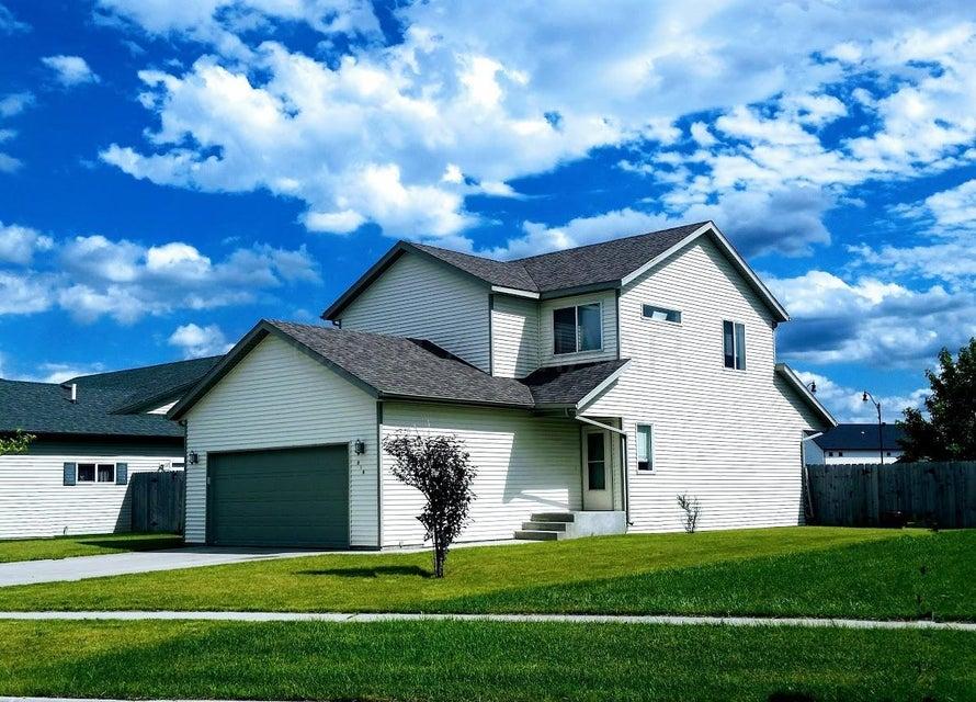 919 W 39 1/2 Avenue, West Fargo, ND 58078