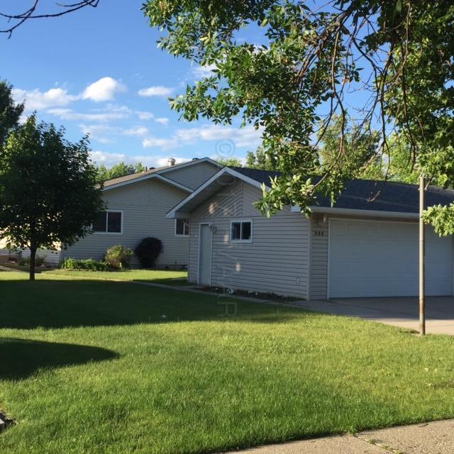 844 E 10 Avenue, West Fargo, ND 58078