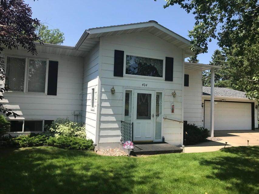 404 KNOLLCREST Street, Detroit Lakes, MN 56501