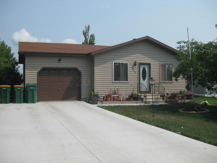 506 E 3 Street, Horace, ND 58047
