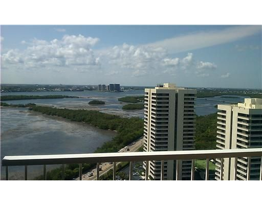 Additional photo for property listing at 5510 N Ocean Drive 5510 N Ocean Drive Singer Island, Florida 33404 Vereinigte Staaten