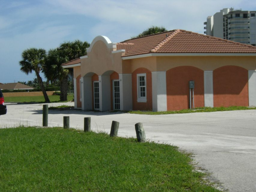Additional photo for property listing at 2917 N A1a Highway 2917 N A1a Highway Hutchinson Island, Флорида 34949 Соединенные Штаты