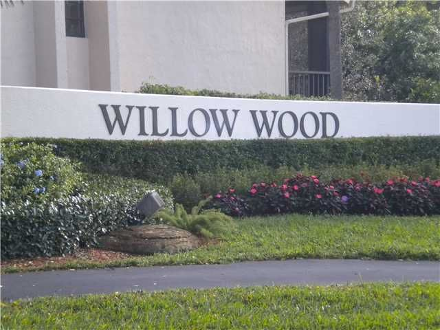 Co-op / Condominio por un Venta en 6696 Willow Wood Drive 6696 Willow Wood Drive Boca Raton, Florida 33434 Estados Unidos