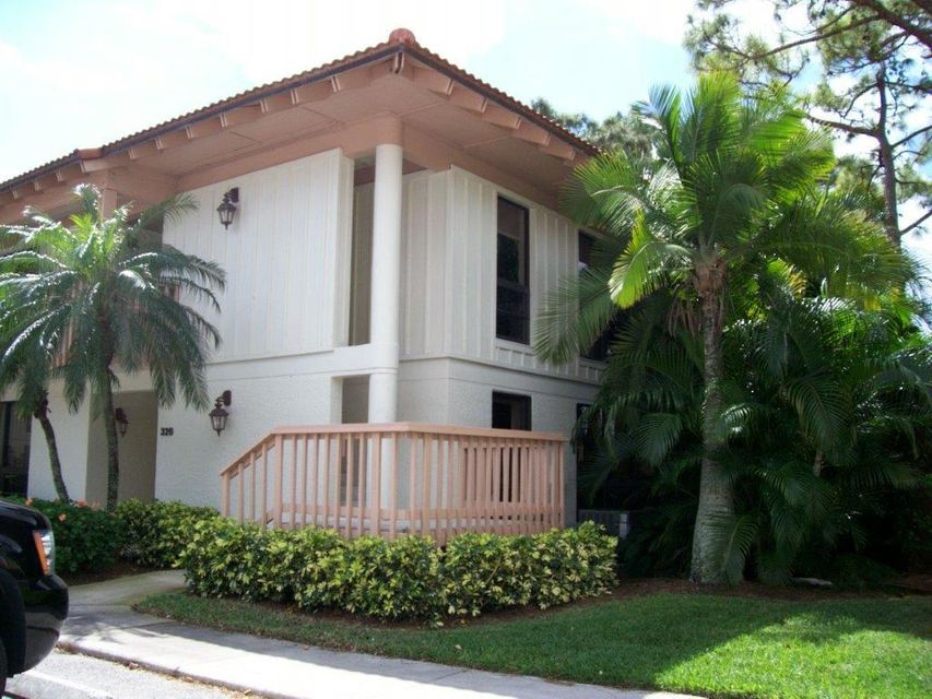 Co-op / Condo للـ Rent في 326 Brackenwood Circle 326 Brackenwood Circle Palm Beach Gardens, Florida 33418 United States