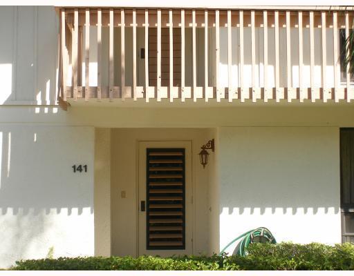 141 Brackenwood Road 141, Palm Beach Gardens, FL 33418