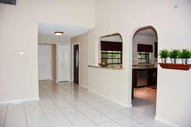 2155 NW 12th St Delray Beach-small-004-R
