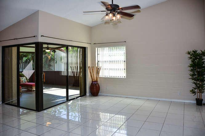 2155 NW 12th St Delray Beach-small-006-R