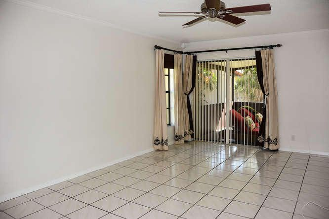 2155 NW 12th St Delray Beach-small-013-R