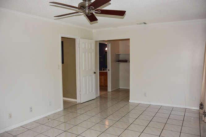 2155 NW 12th St Delray Beach-small-014-R
