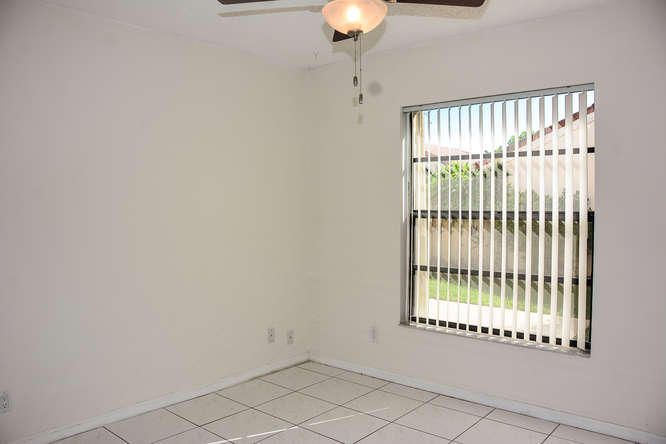 2155 NW 12th St Delray Beach-small-022-R