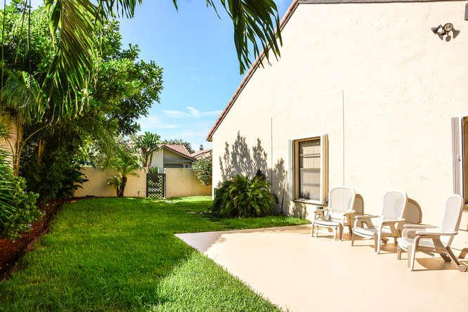 2155 NW 12th St Delray Beach-small-030-R