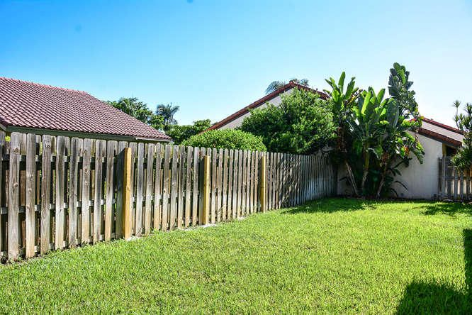 2155 NW 12th St Delray Beach-small-035-R