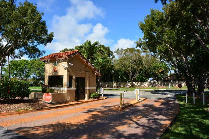 2155 NW 12th St Delray Beach-small-045-D