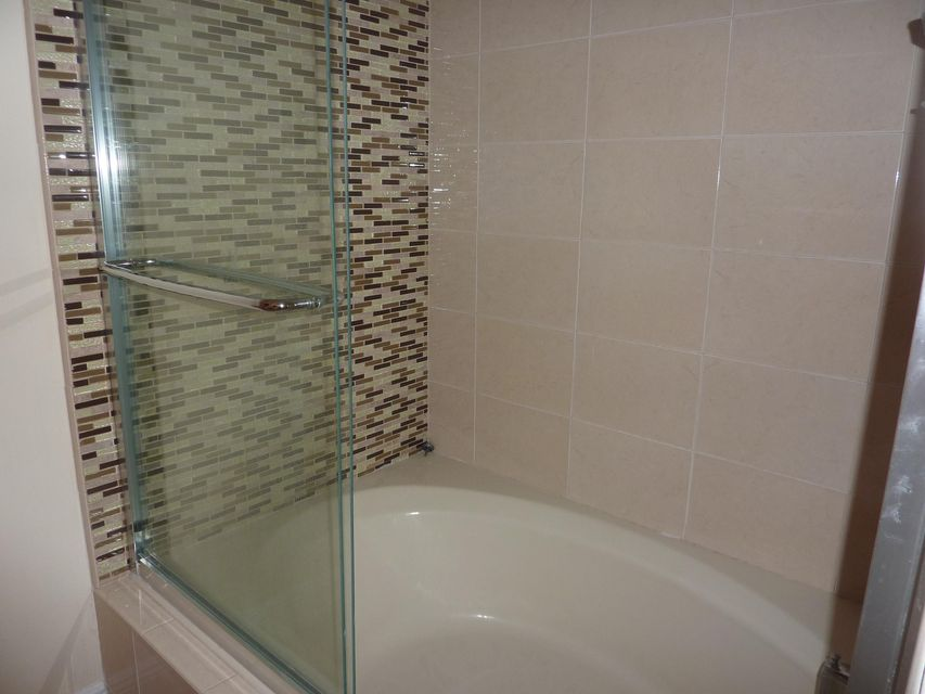 2nd floor bath& shower