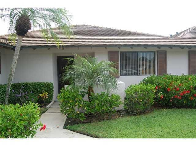 Townhouse for Rent at 222 Club Drive 222 Club Drive Palm Beach Gardens, Florida 33418 United States