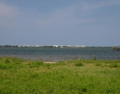 Additional photo for property listing at 52 S Sewalls Point Road 52 S Sewalls Point Road Stuart, Florida 34996 United States