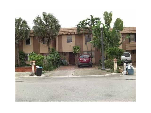 860 W 81st Place, Hialeah, FL 33014