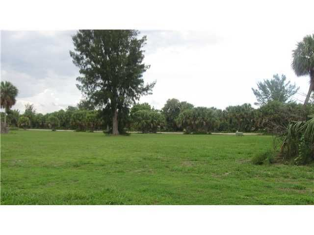 Single Family Home for Sale at 931 Jack Island Access Road 931 Jack Island Access Road Fort Pierce, Florida 34982 United States