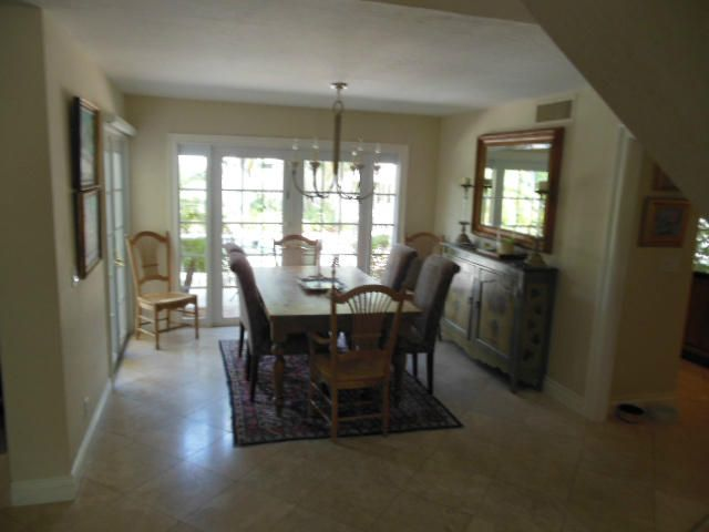 Additional photo for property listing at 104 W Spearfish Lane 104 W Spearfish Lane Jupiter, Florida 33477 United States