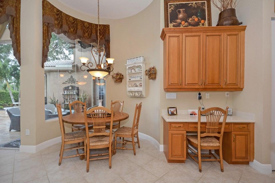 Kitchen Has Desk Area