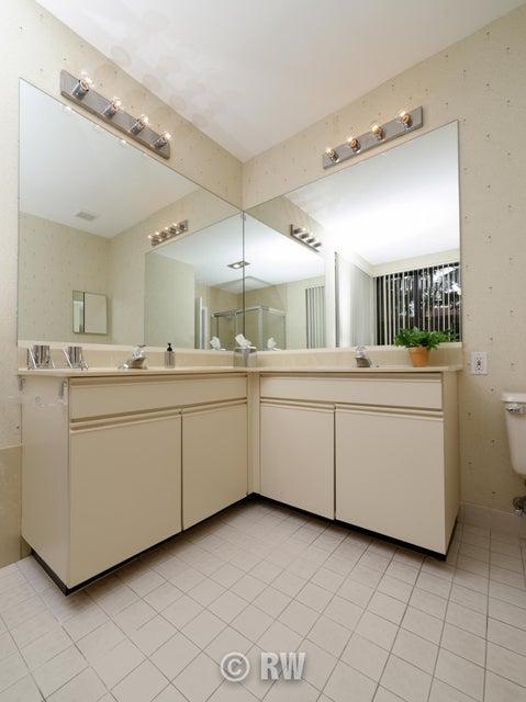 Additional photo for property listing at 19223 Sabal Lake Drive 19223 Sabal Lake Drive Boca Raton, Florida 33434 United States
