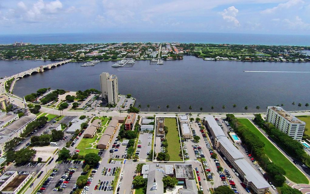 Home for sale in 2 Lots 1309 & 1311 West Palm Beach Florida