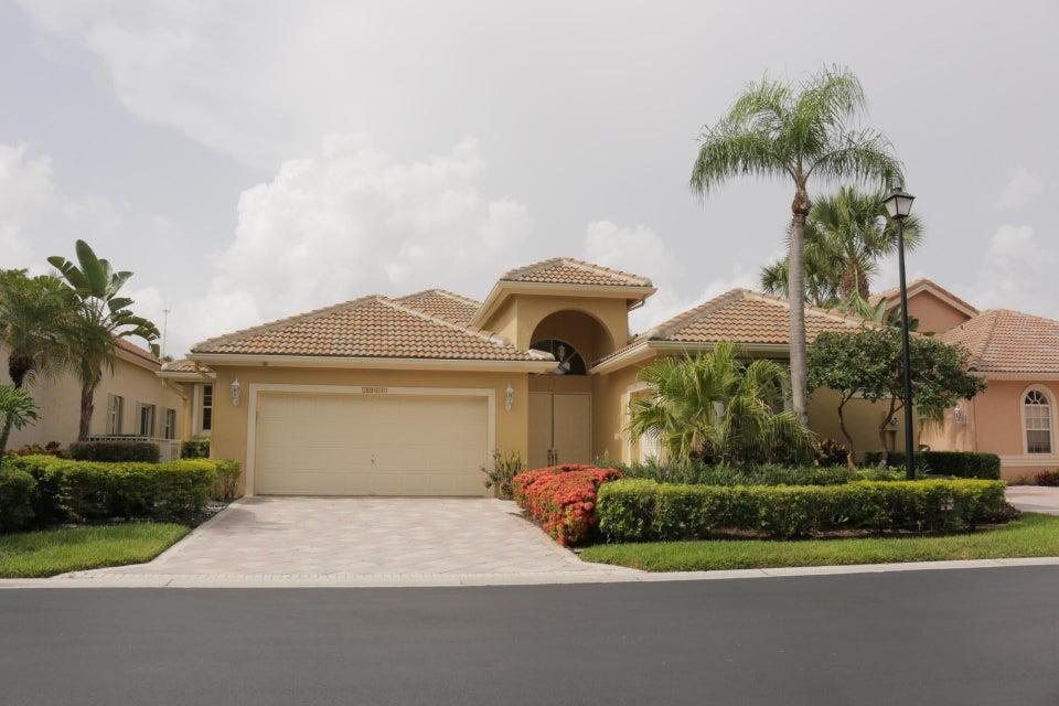 10658 Greenbriar Villa Drive  Wellington, FL 33449