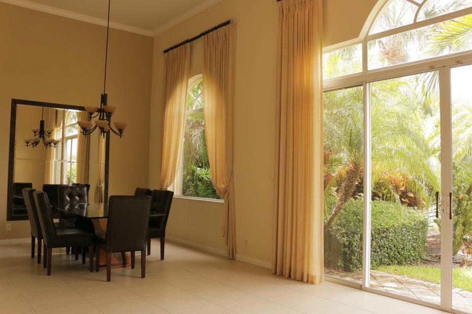 10658 Greenbriar Villa Drive