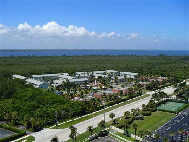 9409 S Ocean Drive 32, Hutchinson Island, FL 34949