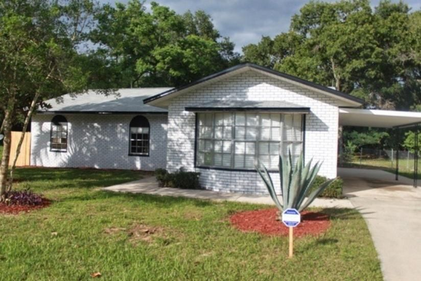 9313 Pine Ln, Ocala, FL 34472