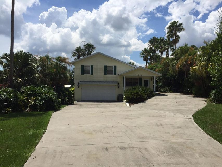 House for Sale at 6208 Lake Front Drive Sebring, Florida 33876 United States