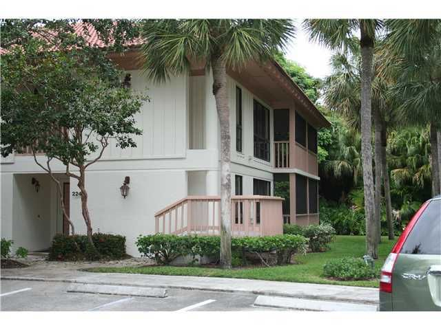 Co-op / Condo للـ Rent في 228 Brackenwood Terrace 228 Brackenwood Terrace Palm Beach Gardens, Florida 33418 United States