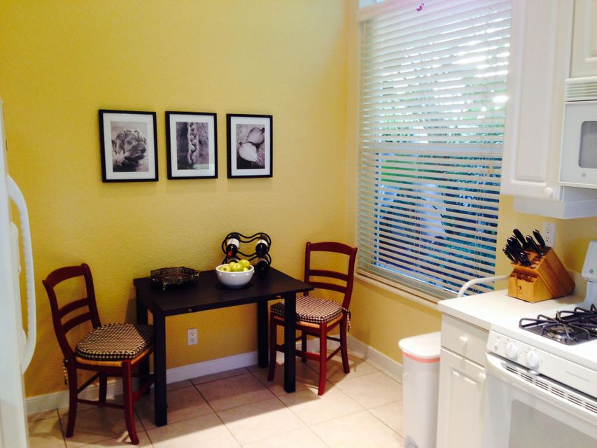 Additional photo for property listing at 4252 NW 66th Lane 4252 NW 66th Lane Boca Raton, Florida 33496 États-Unis